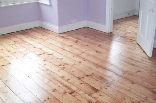 Domestic floor sanding and sealing for homeowners